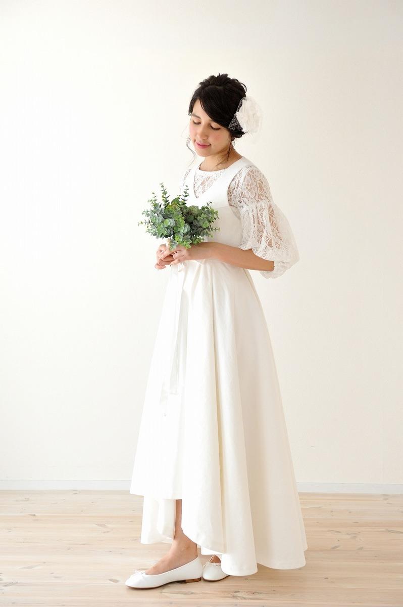 ホワイトデニムとレースのドレス