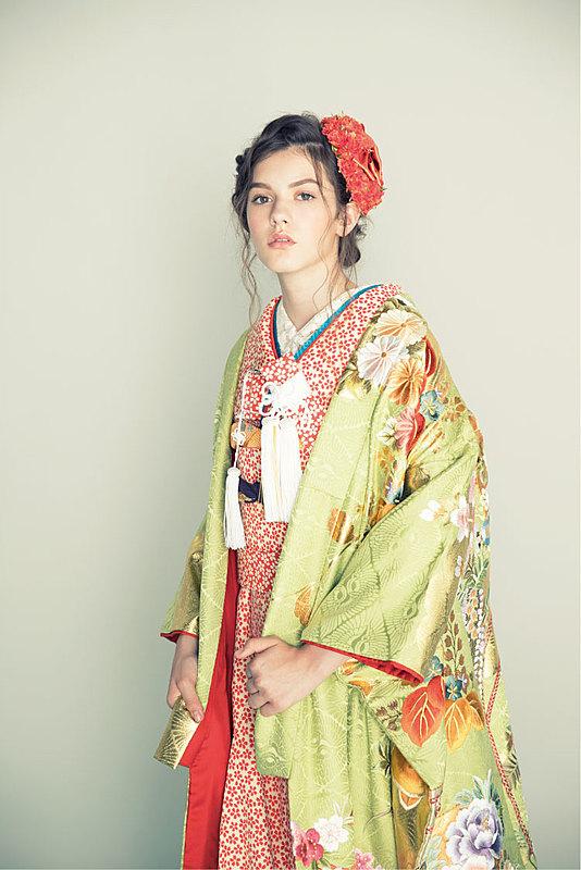 四季花に小槌と折鶴