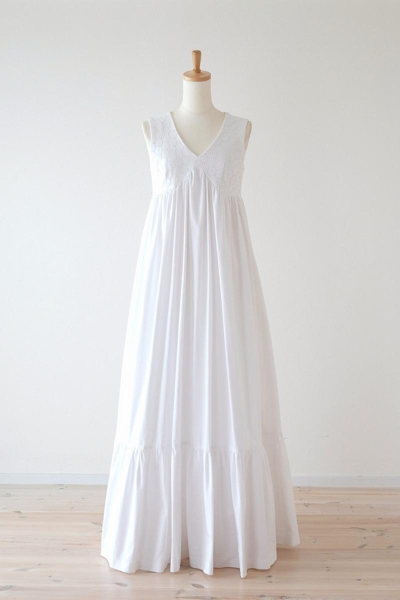 コットンサークルレースのドレス