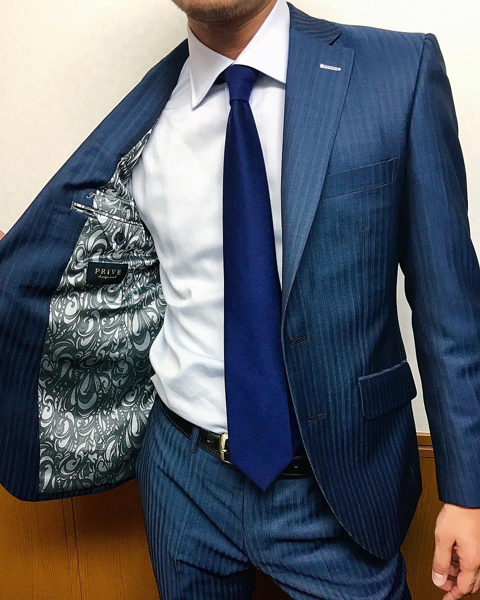 ネイビーストライプスーツを自分の結婚式で選びたいなら Choole