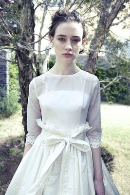 ロングスリーブクラシックドレス