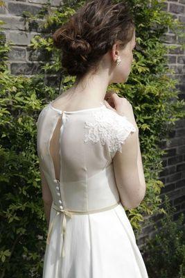 フレンチスリーブ楊柳スカートスレンダードレス