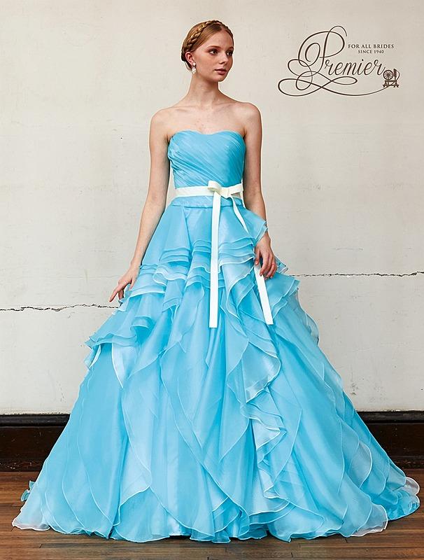 フリルフレアのドレス