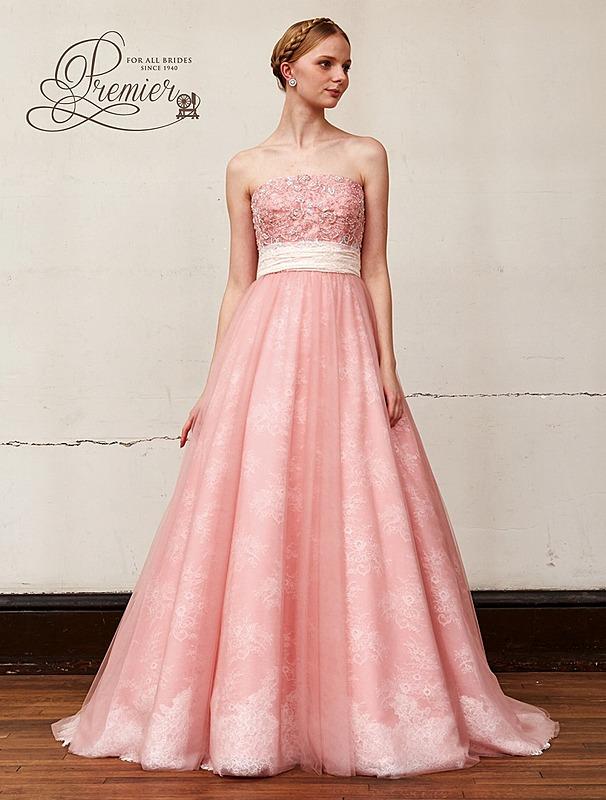 チュールのシンプルなドレス