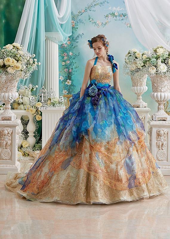 グラーデ―ションリボンのドレス
