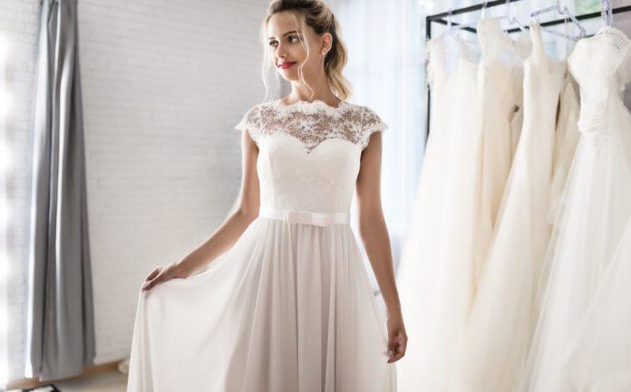 体型で選ぶウエディングドレス完全ガイド【ヘアスタイル付き】|結婚式やアイテムのお役立ち情報がいっぱい! Choole MAGAZINE
