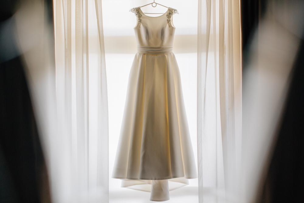 9f442391b0685 ウエディングドレスはレンタルor購入?メリットとデメリットまとめ|結婚 ...