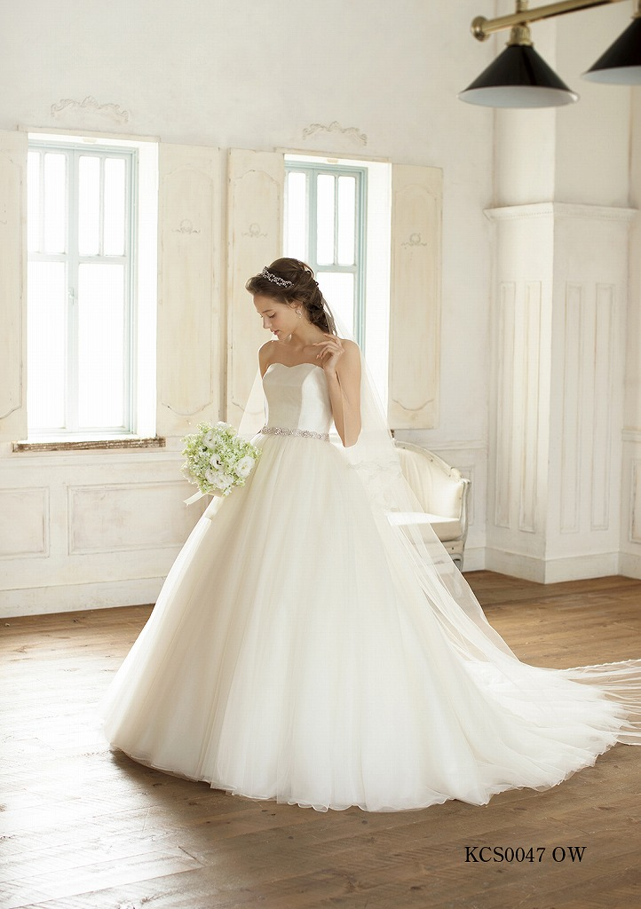 銀座クチュールナオコのウェディングドレス