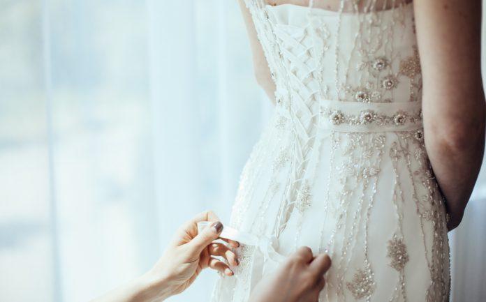 ae98ba46a8766  卒花体験記 ドレス迷子から抜け出せないプレ花嫁さんへ。私はこうしてドレス迷子を脱出! 結婚式やアイテムのお役立ち情報がいっぱい! Choole  MAGAZINE